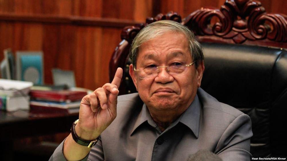 Khieu Kanharith, le ministre de l'Information du Cambodge