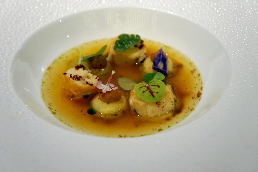 Demoiselles du Mékong pochées et son jardin de crustacés