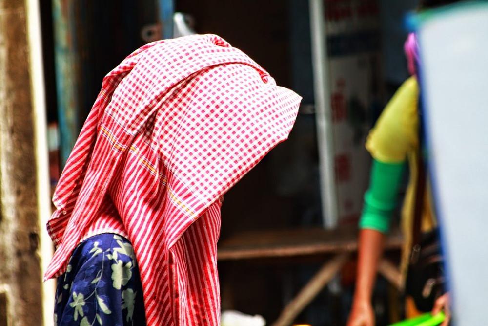 Cambodge, production vidéo, presse, filmmaker, documentaires, documentaries, Christophe Gargiulo, Kampuchéa, Cambodge Mag, magazine, Tonle Sap, articles, nouvelles, video production, Cambodia, KiamProd, KiamProd photography, KiamProd movies,KiamProd music, revues de presse, vietnam, thaïlande, birmanie, Myanmar, Lao, Laos, Burma, Chine, China. photographies, visages khmers, khmer faces, market, marché, Phnom Penh, nouvel an khmer, Khmer New Year