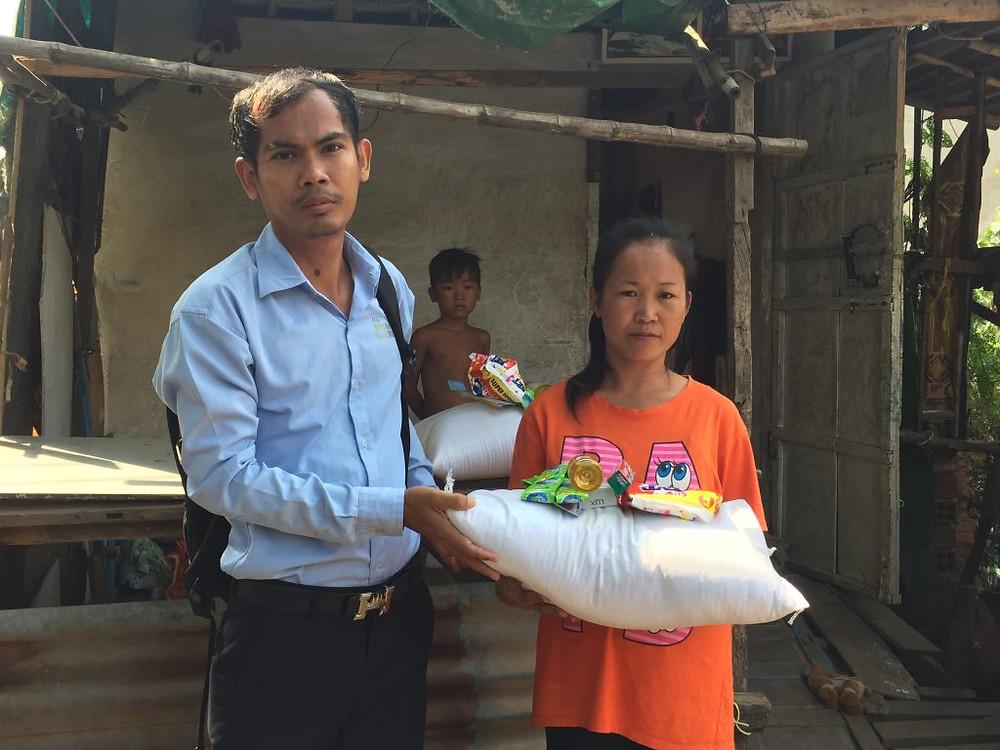 Distribution de nourriture dans le cadre du projet social