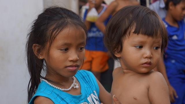 Album du Jour : Visages d'enfants khmers