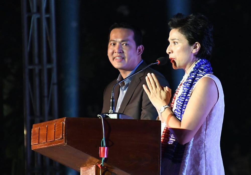 Madame Eva Nguyen Binh, Ambassadrice de France au Cambodge eton Excellence Monsieur Ngan Phirun, gouverneur adjoint de la ville de Siem Reap