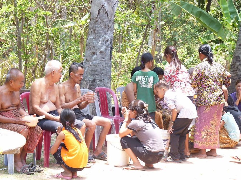 Mes chers parents, au Cambodge la mort se prépare en famille