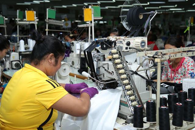 Usine de textile à Phnom Penh. Photographie ILO