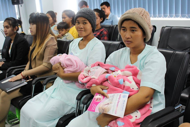 Hôpital Cho Ray. Atelier maternité. Photo Hoai Duong