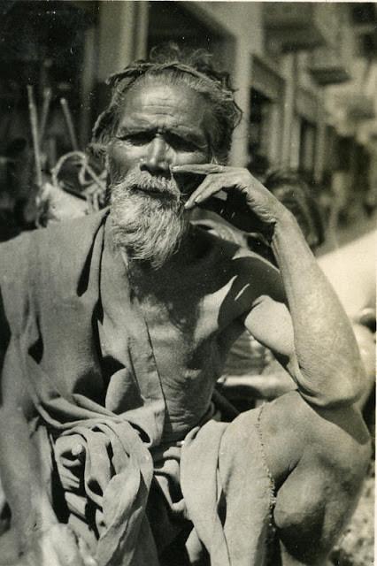 Vieil homme à Vientiane. 1930
