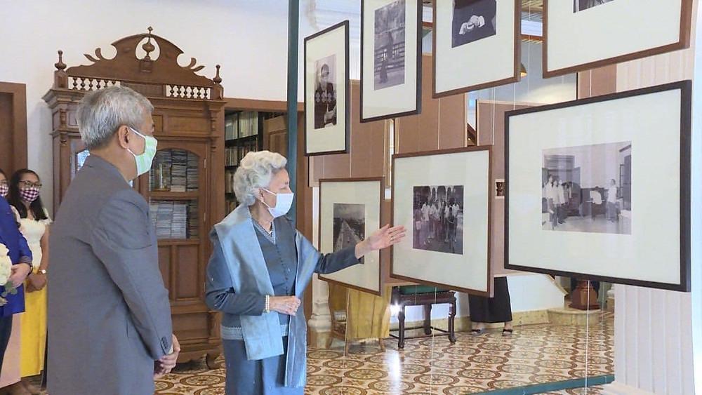 Inauguration de la « Queen Mother Library »