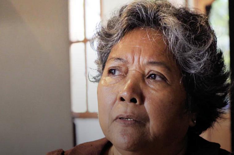 Ros Sopheap, directrice exécutive de Gender and Development for Cambodia (GADC), à son domicile. (Khan Sokummono/VOA Khmer)
