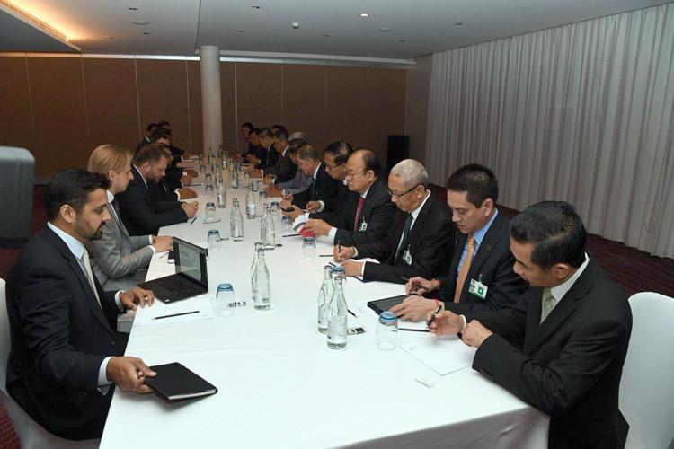Avec une délégation d'entreprises suisses