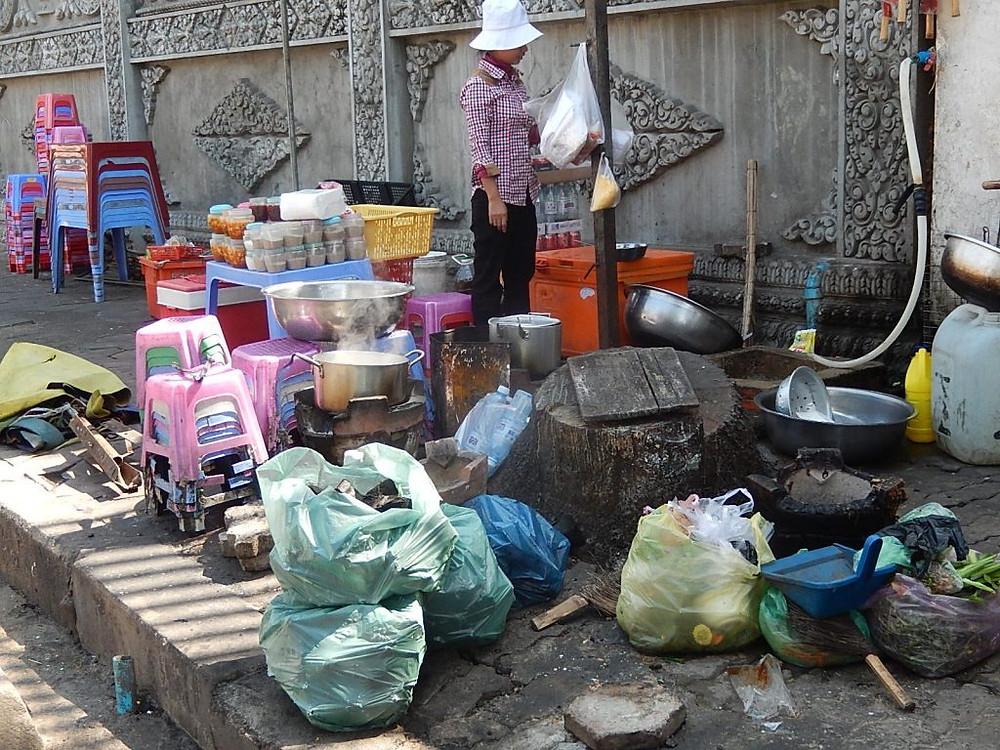 L'engagement du gouvernement cambodgien est de réduire l'utilisation des sacs en plastique de 50% d'ici 2019