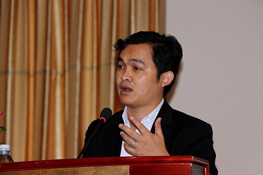Moeng Phadenvordeth, directeur adjoint du département de notifica-tion et des affaires juridiques du Ministère du Commerce