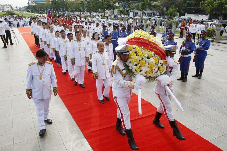 Hommage au Roi-Père Norodom Sihanouk à Phnom Penh