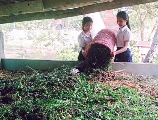 Les élèves de Svay Rieng à l'école de l'agriculture