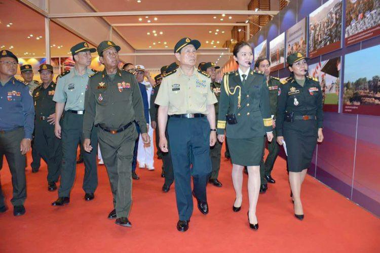 Ouverture de l'exposition sur la coopération militaire Cambodge-Chine 2018