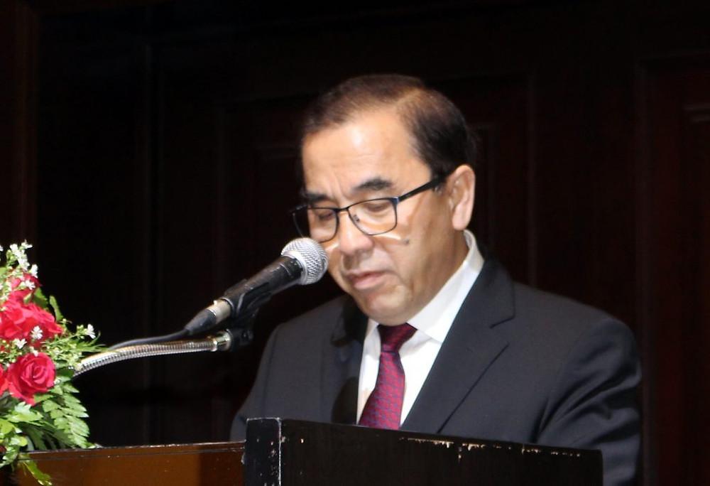 Le ministre de l'Agriculture, S.E. Veng Sakhon