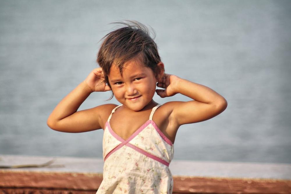 Cambodge, production vidéo, presse, filmmaker, documentaires, documentaries, Christophe Gargiulo, Kampuchéa, Cambodge Mag, magazine, Tonle Sap, articles, nouvelles, video production, Cambodia, KiamProd, KiamProd photography, KiamProd movies,KiamProd music,  Photographies d'enfants khmers prises à proximité du Palais Royal, Visages d'enfants Khmers