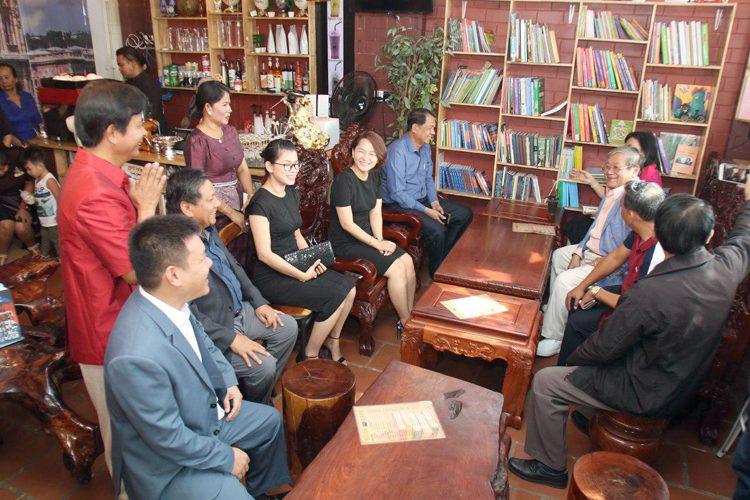 Book Café à Sèn Sok