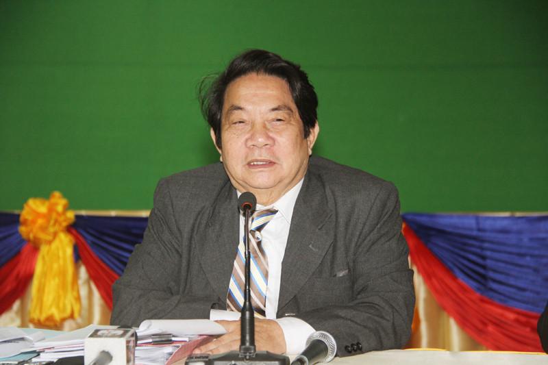 Le secrétaire général et porte-parole de l'Assemblée, Leng Peng Long