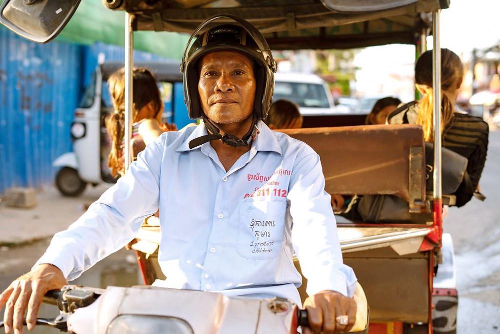 Ouch, conducteur de Tuktuk  et bénévole pour ChildSafe