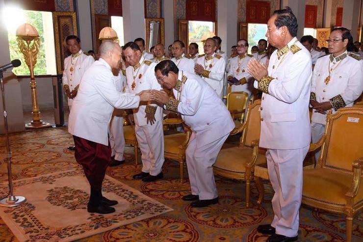 Audience royale pour les membres du gouvernement