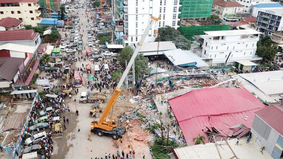 Le bâtiment s'est effondré ce samedi vers 5 heures du matin