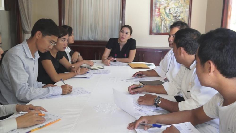 Briefing quotidien avec les collaborateurs du Topaz