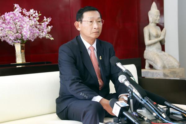 Le ministre de l'industrie et de l'artisanat,Cham Prasidh, Photographie AKP