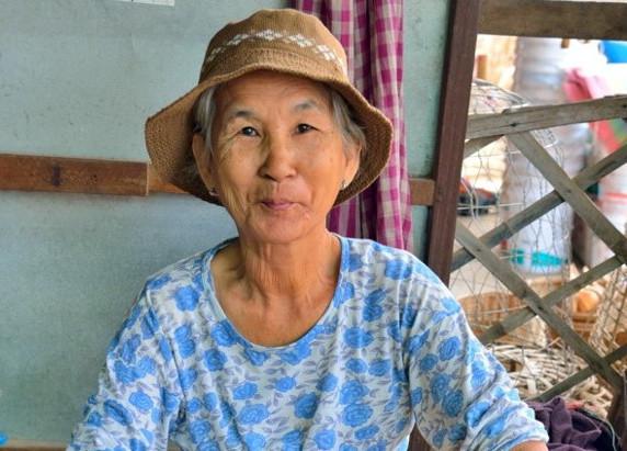 Histoire & Portrait : À la rencontre de «Madame cigarettes» de Battambang