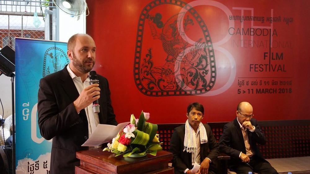 De gauche à droite, Cedric Eloy (CFC), Chea Sopheap(Bophana) et Sok Song (Représentant du département du cinéma du ministère de la Culture)