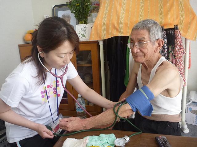 Le manque d'infirmières pour les personnes âgées se fait cruellement sentir au Japon