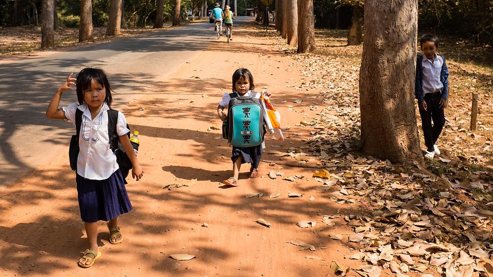 Ecolieres de Siem Reap. Photographie Killy Ridols