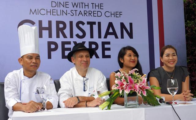 Chef Sopheak Pov (Topaz), Christian Peyre, Céline Troeung (Thalias) et Lina Hak (Topaz)