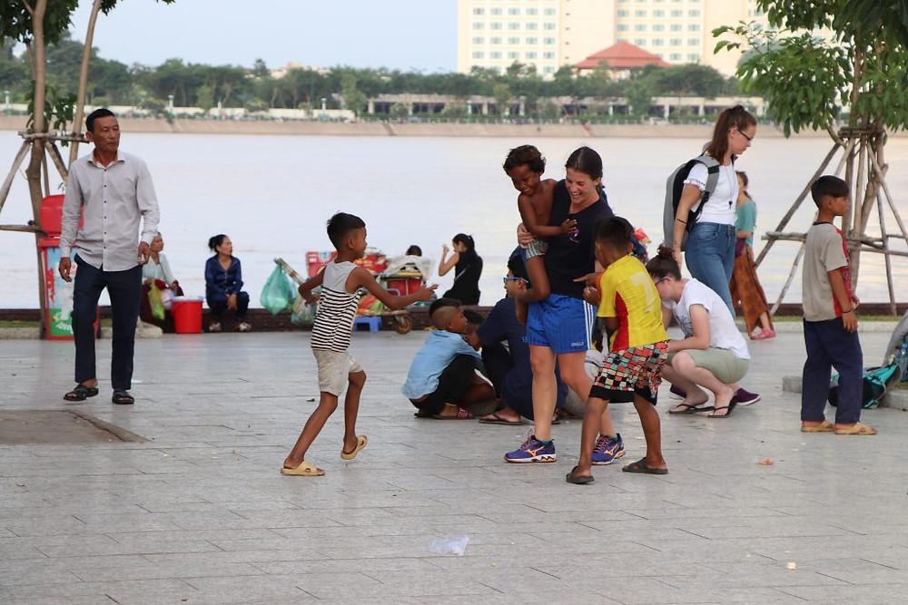 Jeux d'enfants à Riverside