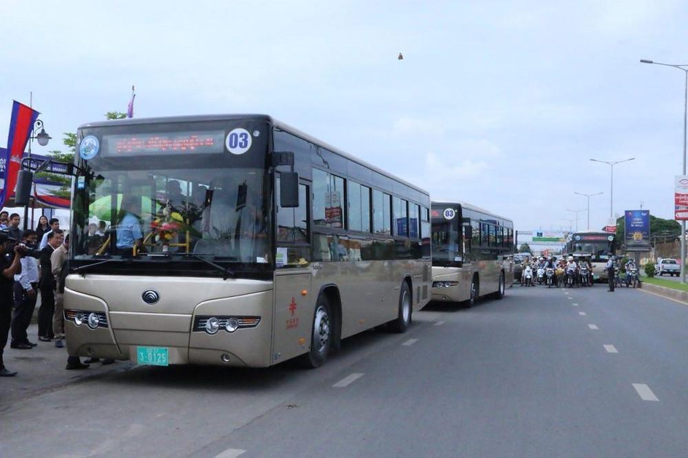 Paiement électronique possible pour les 155 bus des huit lignes de Phnom Penh