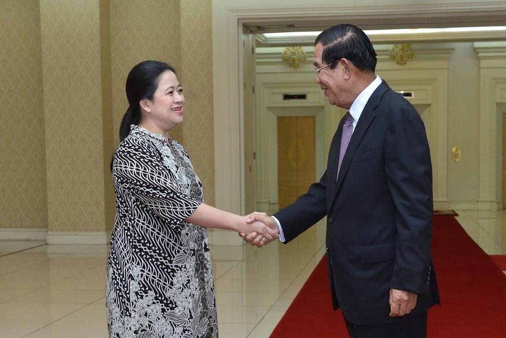 S.E. Puan Maharani et le Premier ministre Hun Sen