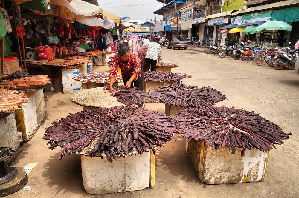 Viandes fumées du marché principal