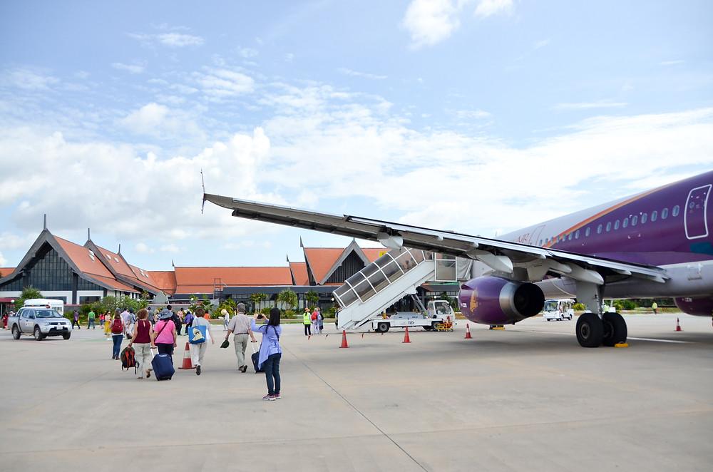 À son entrée dans le Royaume du Cambodge, tout visiteur étranger sera soumis à un examen médical
