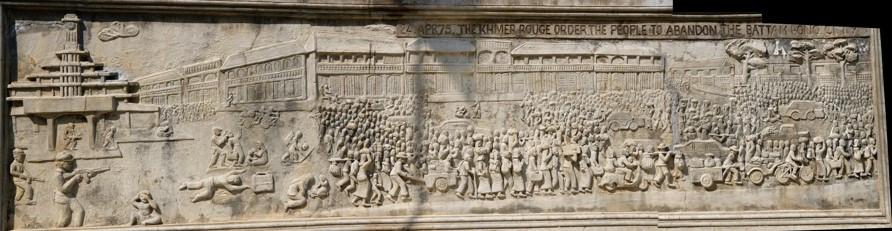 bas-relief (Vat Samrong Knong) représentant le départ forcé des habitants de Battambang