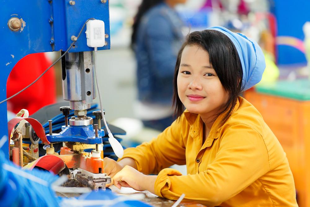Ouvrière du textile à Phnom Penh. Photographie ILO