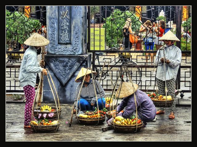 Hội An - Vendeuses de fruits