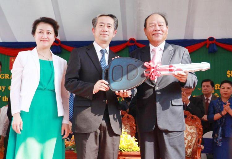 La Chine livre vingt cliniques mobiles