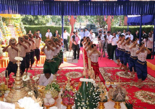 Des danses traditionnelles pour l'inauguration de cette exposition