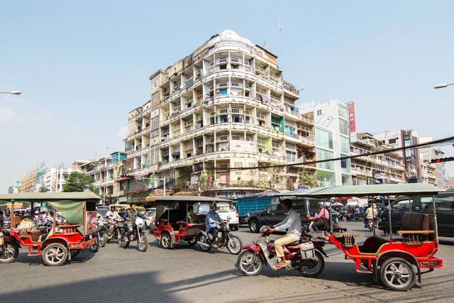 Phonm Penh's Corner Architecture