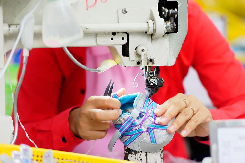 Les principaux produits exportés du Cambodge vers les États-Unis sont les vêtements, les chaussures et les accessoires de voyage