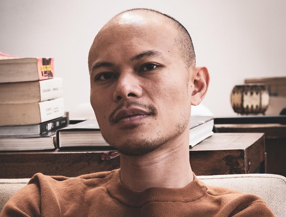 Jean-Baptiste Phou, saltimbanque des mots