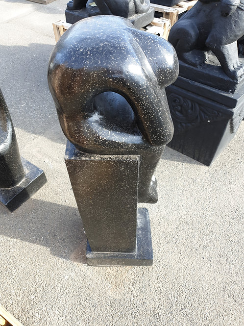 Sculpture Lady head on her knees