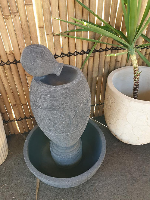 WATER FEATURE SMALL POT VASE