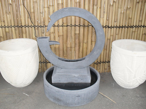 WATER FEATURE ROUND WHEEL ABSTRACT
