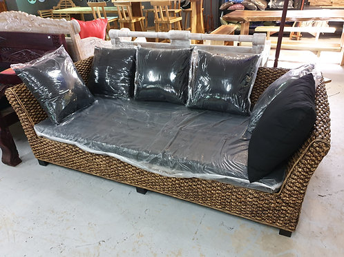 WATER HYACINTH DAY BED / LOUNGE