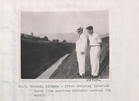 Roli i ambasadorit amerikan Herman Berstein në shëndetësinë shqiptare.